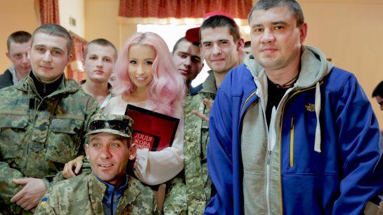 В военном госпитале в Ирпене состоялся концерт для раненых бойцов АТО, организованный украинскими юмористами