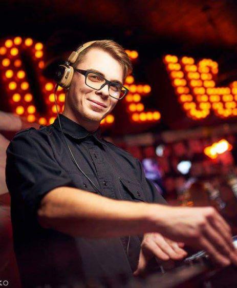 DJ VELUR