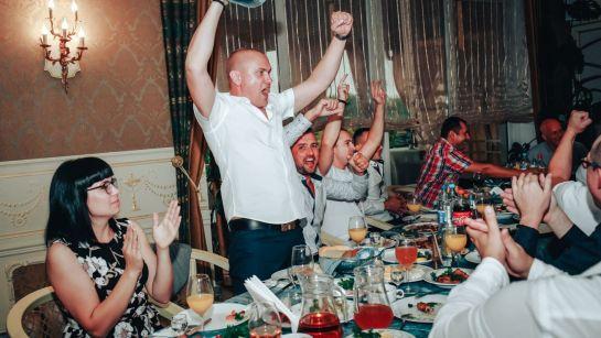 Лучший конкурс на корпоративе ВАЮР 20 лет Влюбленные в мороженое с ведущим Дядей Жорой