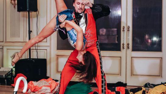 Испанский танец на корпоративе ВАЮР 20 лет Влюбленные в мороженое с ведущим Дядей Жорой