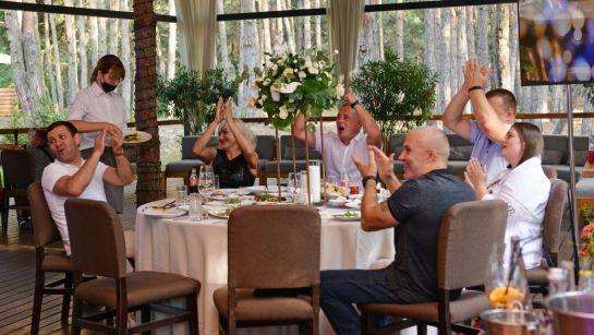 Яркие эмоции гостей на вечеринке-сюрприз ко Дню рождения Анатолия от Дядя Жора Company