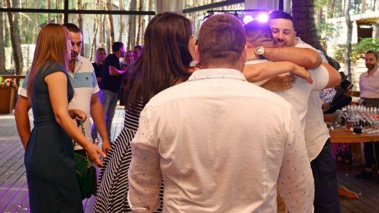 Поздравления от гостей на вечеринке-сюрприз ко Дню рождения Анатолия от Дядя Жора Company