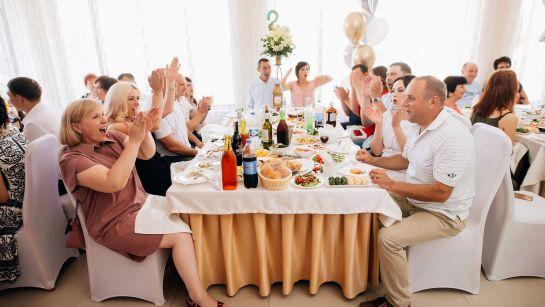 Гости и застолье на Юбилее 50 лет в г.Гайворон с Дядя Жора Company