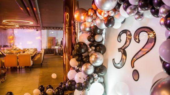 Загадочная фотозона на вечеринке-сюрприз ко Дню рождения супруги с Дядя Жора Company