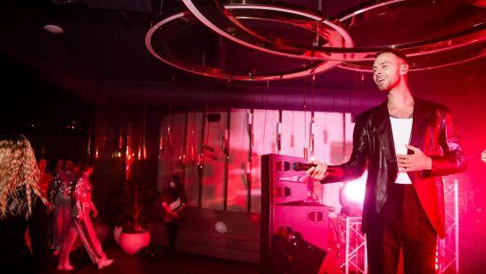 Певец Макс Барских на вечеринке-сюрприз ко Дню рождения супруги с Дядя Жора Company